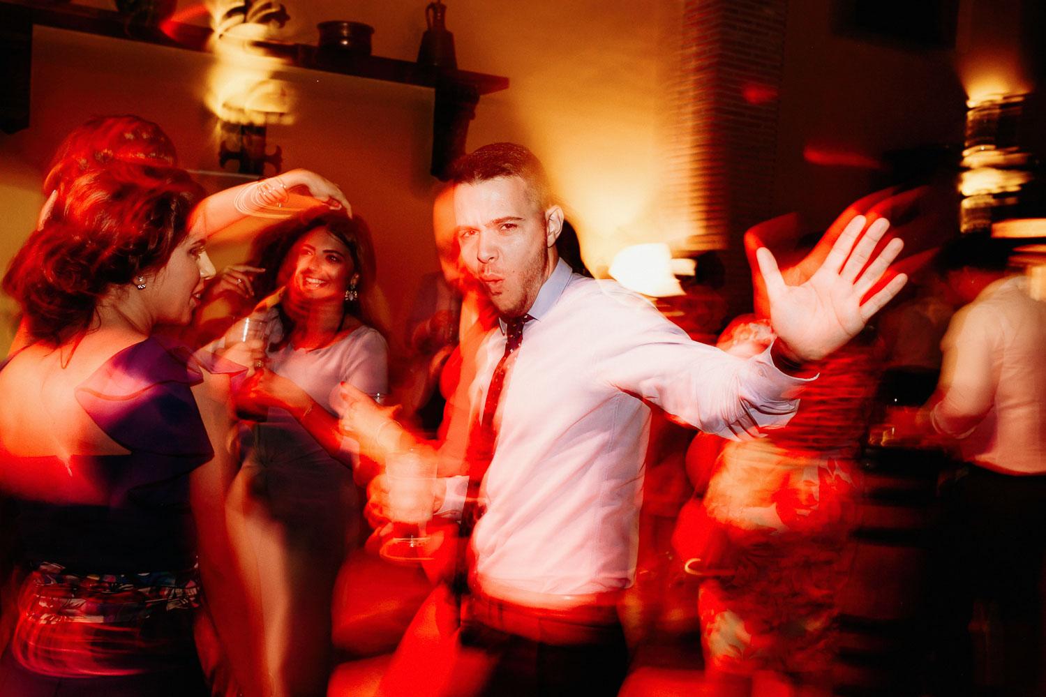 bailando en la boda