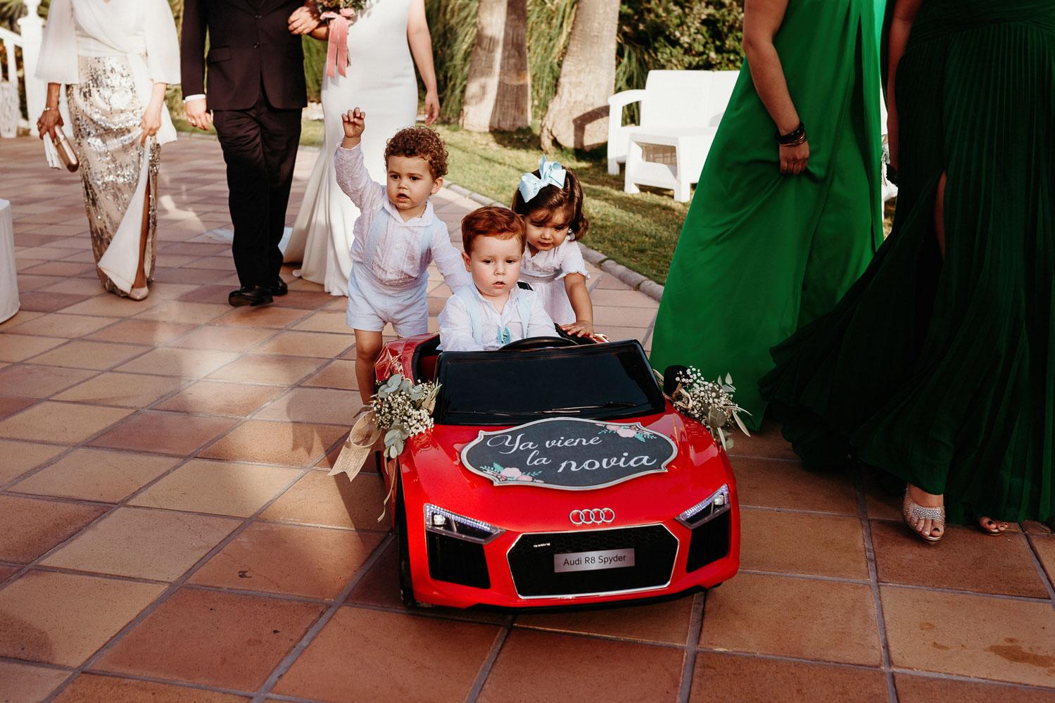 damitos de honor en la boda civil